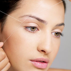 Threading services for women being performed in Ft. Lauderdale, FL